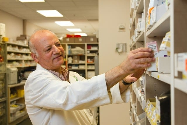 A Guide to Becoming a Pharmacist